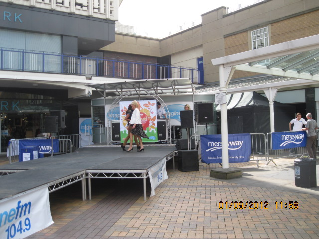 merseyway-festival-in-the-sunshine-019